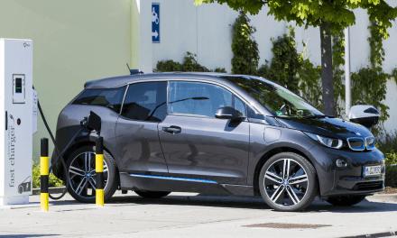 Halbierte Dienstwagensteuer für Elektroautos