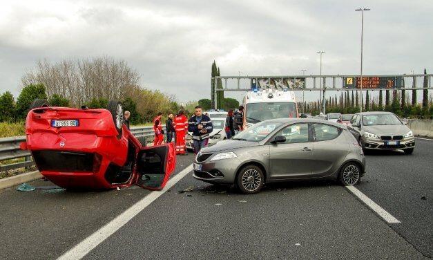 Unfall auf der Autobahn – So verhält man sich richtig