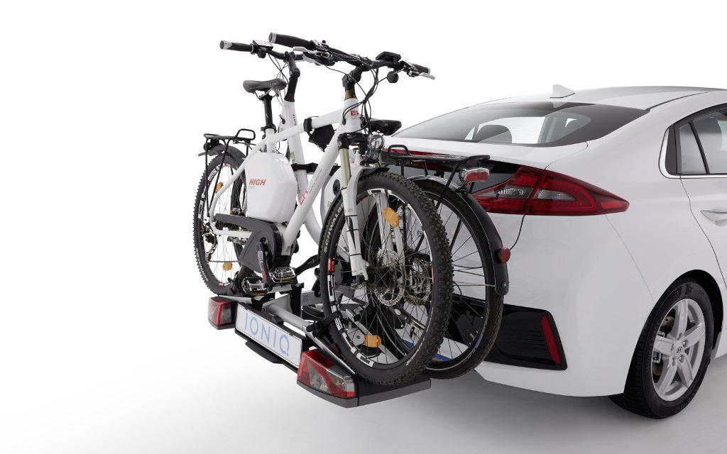 Hyundai Ioniq mit Fahrradträger