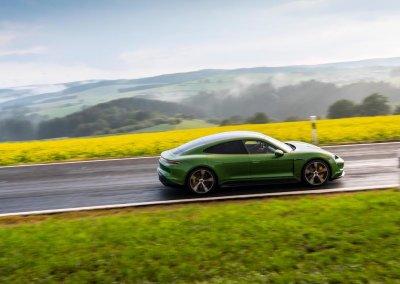 high_taycan_turbo_s_mamba_green_metallic_taycan_media_drive_europe_2019_porsche_ag-2