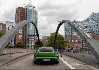 high_taycan_turbo_s_mamba_green_metallic_taycan_media_drive_europe_2019_porsche_ag-5