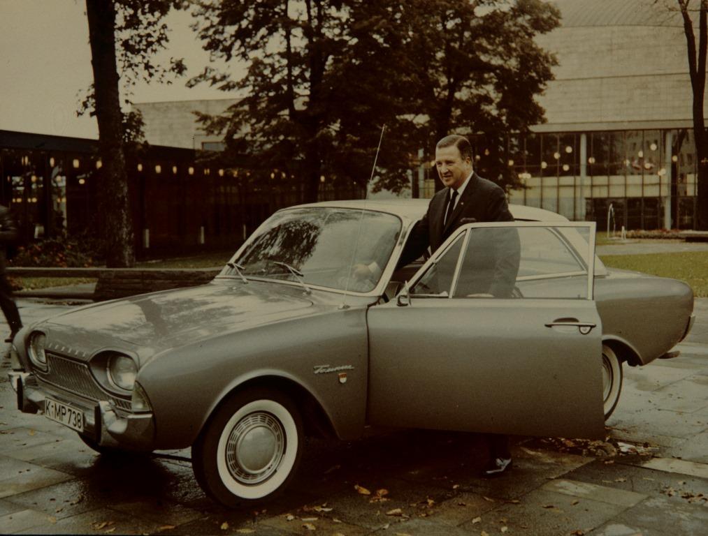 Taunus 17 M P3 mit Henry Ford II